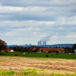L'écologie doit-elle réelle se battre contre les centrales nucléaires?